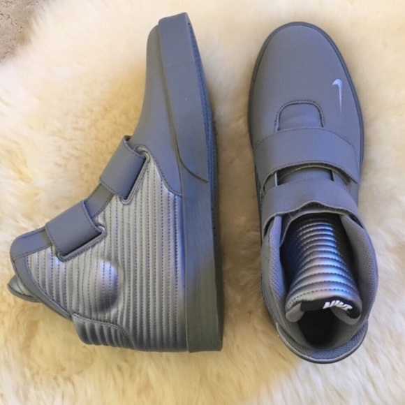 New Nike Gray Flystepper 2K3 Sneakers f51dc39e3